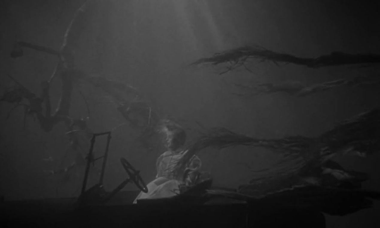 """Secuencia de mujer ahogada en el lago de la película """"La noche del cazador"""""""